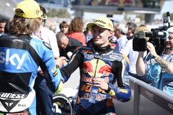 Sieger Brad Binder, Red Bull KTM Ajo; 2. Nicolo Bulega, Sky Racing Team VR46