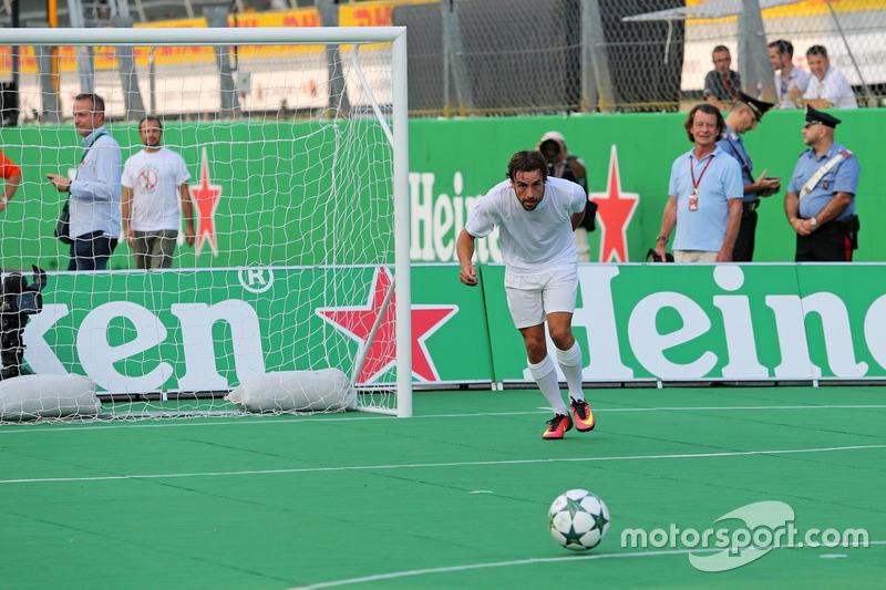 Heineken charity football game, Fernando Alonso, McLaren Honda