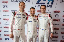 #92 Porsche Motorsport Porsche 911 RSR: Jörg Bergmeister, Frédéric Makowiecki, Earl Bamber