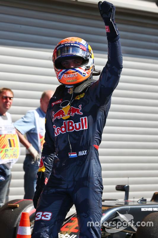 Max Verstappen, Red Bull Racing festeggia il suo secondo posto nel parco chiuso delle qualifiche
