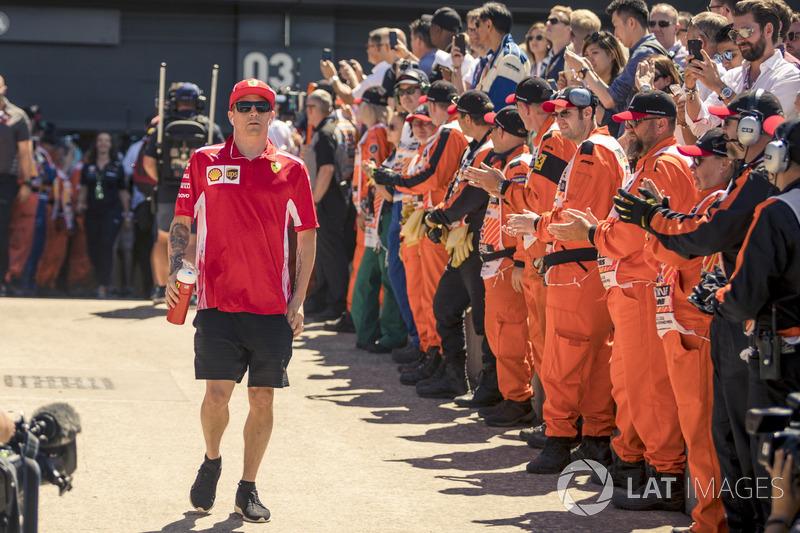 Kimi Raikkonen, Ferrari, en el desfile de pilotos