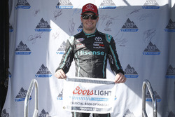Polesitter Erik Jones, Joe Gibbs Racing Toyota