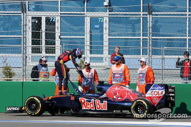 GP Rusia 2016. Abandono en su última carrera en Toro Rosso