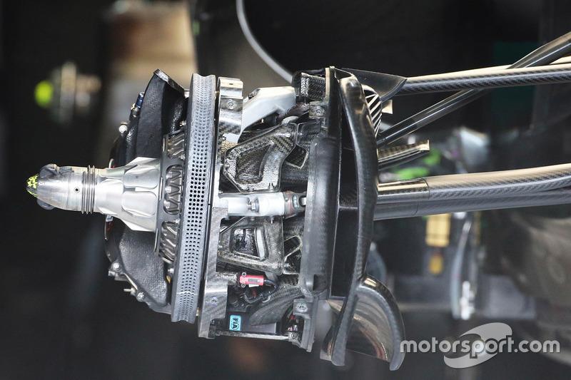 Mercedes AMG F1 W07 Hybrid disc brake detail