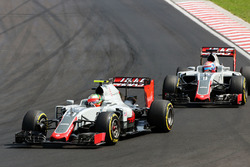 Esteban Gutiérrez, Haas F1 Team VF-16 y Romain Grosjean, Haas F1 Team VF-16
