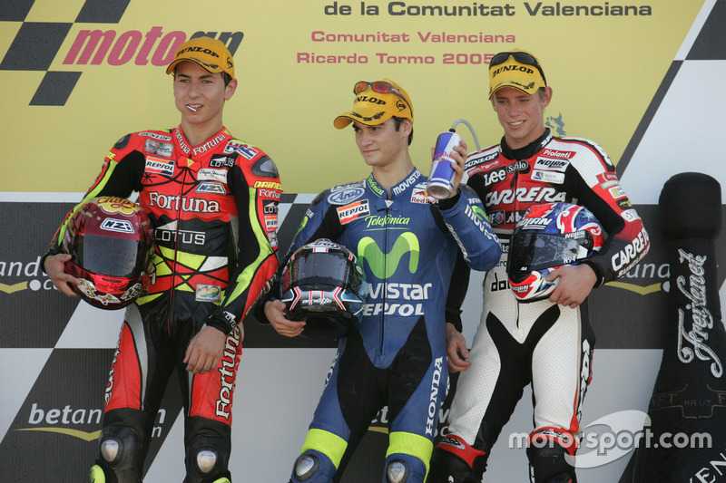 Podio: ganador de la carrera Dani Pedrosa; segundo lugar Jorge Lorenzo; tercer lugar Casey Stoner