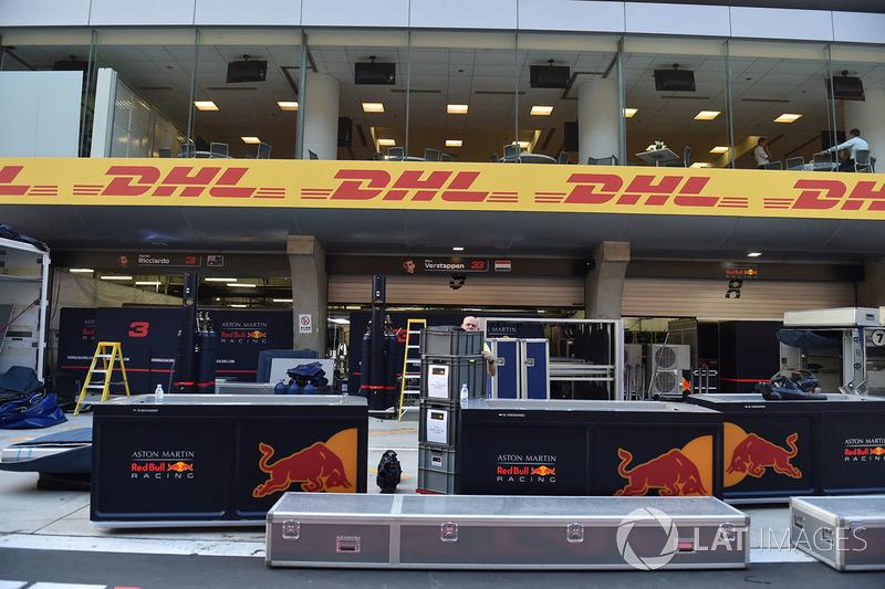 Вантажі Red Bull Racing