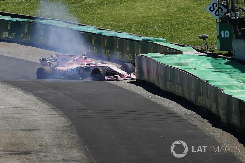 Окон уперше в кар'єрі зійшов у гонці Ф1 після контакту з Грожаном