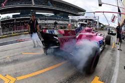 Sergio Perez, Force India VJM11 y humo de neumáticos
