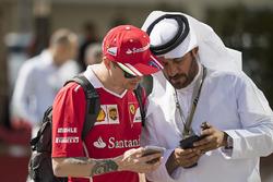 Kimi Raikkonen, Ferrari talks with Mohammed Bin Sulayem
