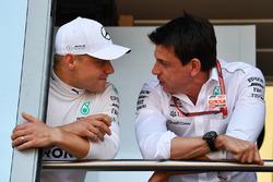 Valtteri Bottas, Mercedes-AMG F1 and Toto Wolff, Mercedes AMG F1 Director of Motorsport