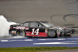 Ganador Clint Bowyer, Stewart-Haas Racing, Chevrolet Camaro Haas 30 Years of the VF1