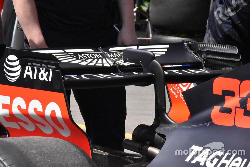 Red Bull Racing RB14 arka kanat detay