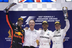 Podyum: 2. Daniel Ricciardo, Red Bull Racing, Yarış galibi Lewis Hamilton, Mercedes AMG F1, 3. Valtteri Bottas, Mercedes AMG F1