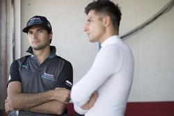 Гонщики Jaguar Racing Нельсон Пике-мл. и Митч Эванс