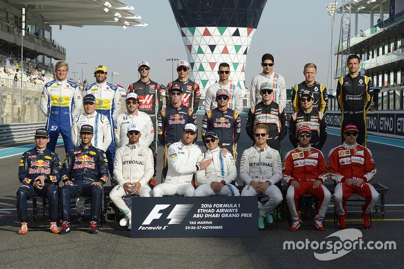 Foto oficial de grupo de pilotos de final de temporada