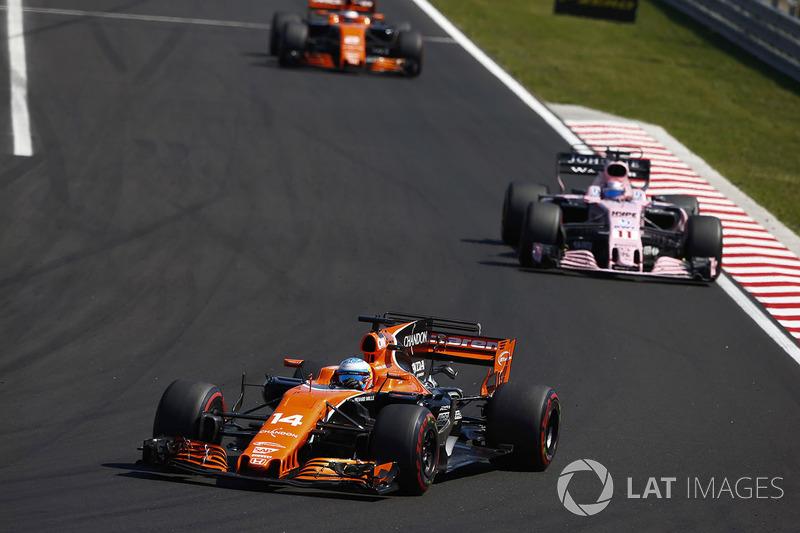 Fernando Alonso, McLaren MCL32, Sergio Pérez, Sahara Force India F1 VJM10, Stoffel Vandoorne, McLaren MCL32