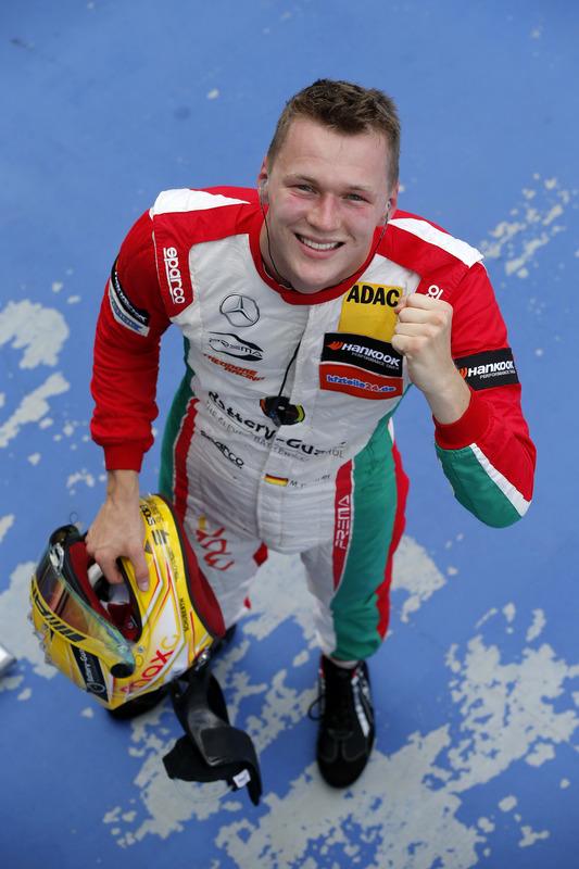 1.Maximilian Günther, Prema Powerteam Dallara F317 - Mercedes-Benz