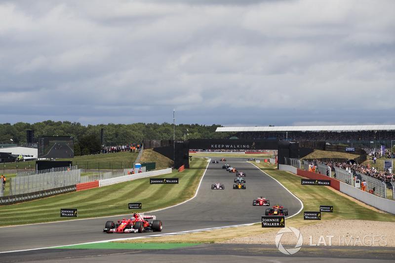 Кімі Райкконен, Ferrari SF70H, Макс Ферстаппен, Red Bull Racing RB13, Себастьян Феттель, Ferrari SF70H