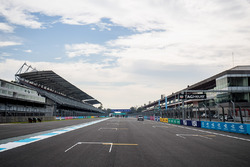 The start / finish straight and the grid