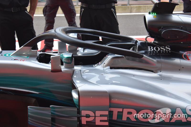 El Mercedes-Benz F1 W08 con el Halo