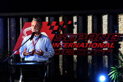 Chase Carey, CEO, Formula One Group, Petronas barbeküsünde