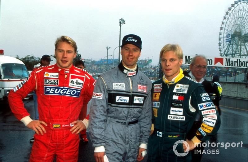 Mika Hakkinen, McLaren, J.J. Lehto, Sauber, Mika Salo, Lotus Racing