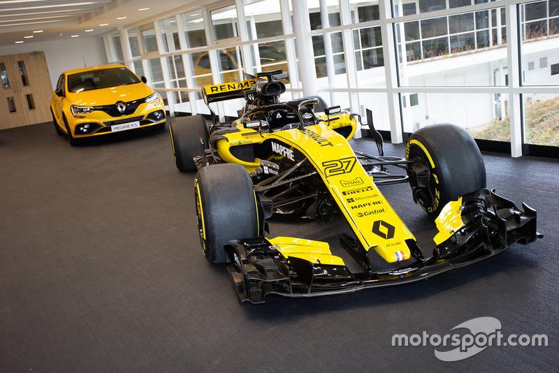 Salle d'exposition, Renault R.S.18