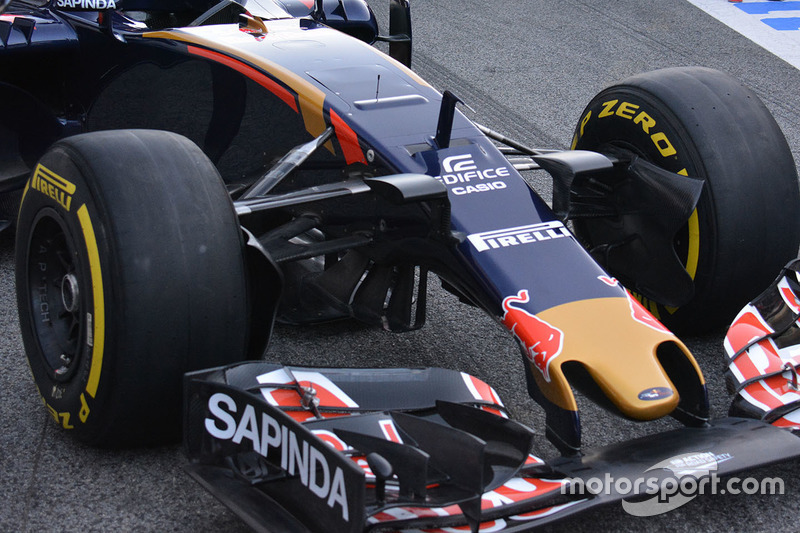 Scuderia Toro Rosso STR11, Frontdetail