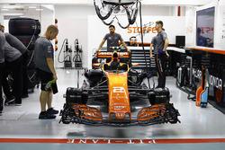 The car of Stoffel Vandoorne, McLaren MCL32, waits in the garage