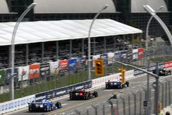 Takuma Sato, Andretti Autosport Honda, Sebastian Saavedra, Schmidt Peterson Motorsports Honda, Tony Kanaan, Chip Ganassi Racing Teams Honda