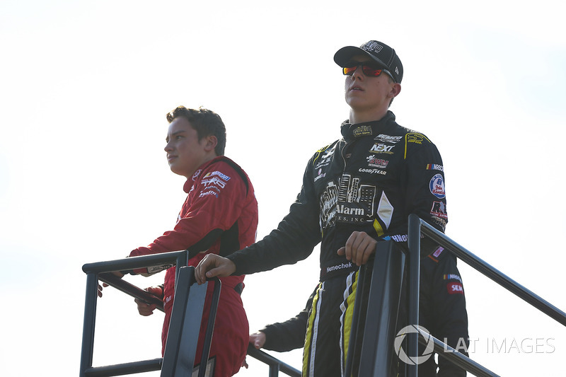 Christopher Bell, Kyle Busch Motorsports Toyota, John Hunter Nemechek, SWM-NEMCO Motorsports Chevrolet