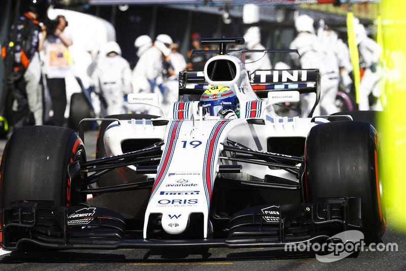 Felipe Massa, Williams FW40, sale de un pit stop