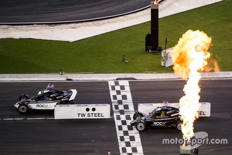 Tim AS IndyCar Alexander Rossi, kalahkan Tim AS NASCAR Kyle Busch, dengan mobil ROC