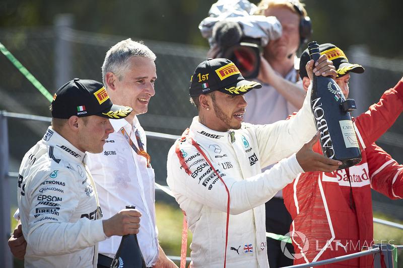Lewis Hamilton foi o vencedor do GP da Itália, seguido de Valtteri Bottas e Sebastian Vettel. O inglês agora é o novo líder do campeonato, com 3 pontos a mais que o alemão.