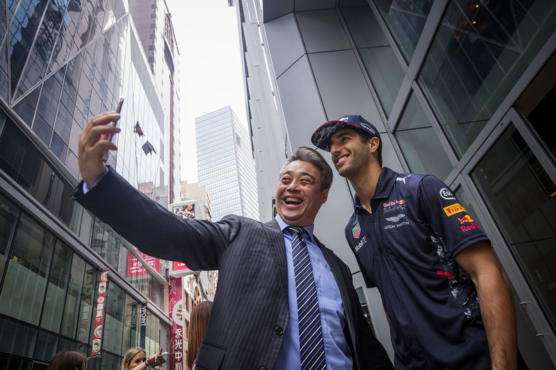 Daniel Ricciardo, Red Bull Racing with a fan