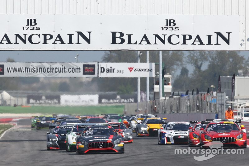 Arrancada #84 Mercedes-AMG Team HTP Motorsport, Mercedes-AMG GT3: Maximilian Buhk, Franck Perera líd