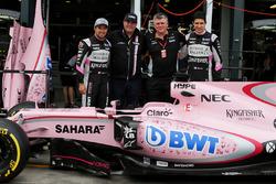 Sergio Perez, Sahara Force India F1, Otmar Szafnauer, Sahara Force India F1 Chief Operating Officer, and Esteban Ocon, Sahara Force India F1 Team with the Sahara Force India F1 VJM10