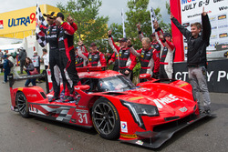 Переможці гонки #31 Action Express Racing Cadillac DPi: Ерік Каррен, Дейн Камерон