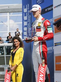 Podium des rookies : le deuxième, Mick Schumacher, Prema Powerteam, Dallara F317 - Mercedes-Benz