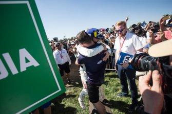 Ganador, Sam Bird, Envision Virgin Racing abraza a Leon Price