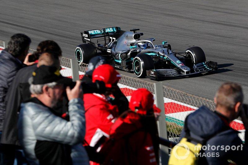 Valtteri Bottas, Mercedes-AMG F1 W10 and fans