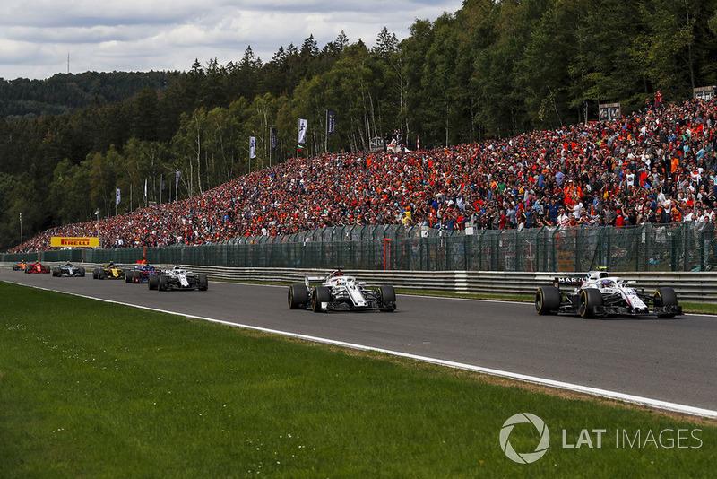 Marcus Ericsson, Sauber C37 and Sergey Sirotkin, Williams FW41