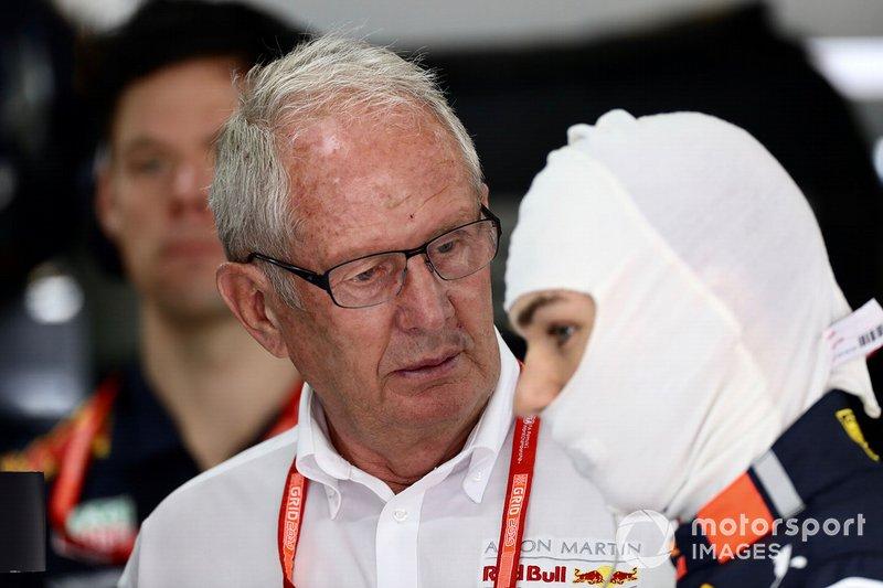 Спортивный консультант Red Bull Хельмут Марко и гонщик Red Bull Racing Пьер Гасли