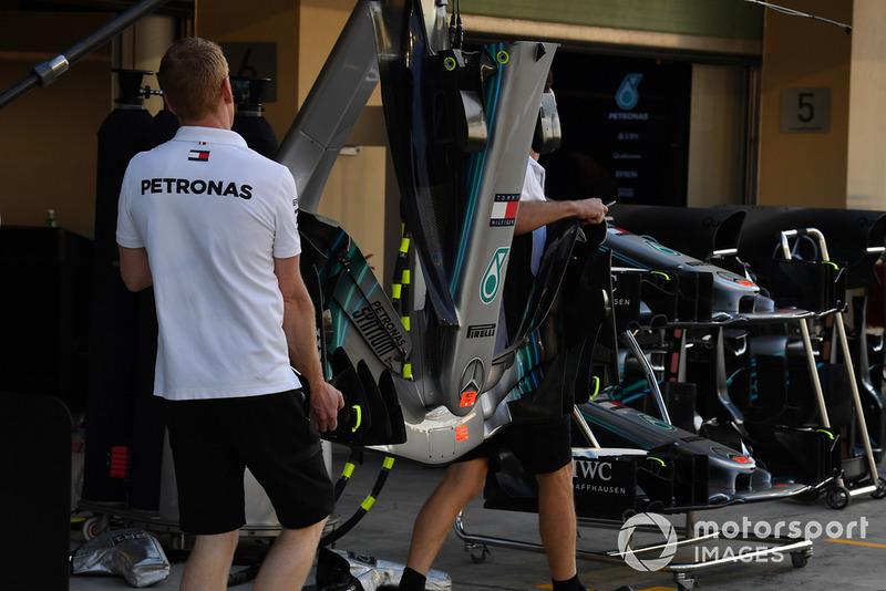 Mercedes-AMG F1 W09 voorvleugel