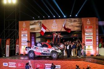 Подіум: Toyota Gazoo Racing Toyota Hilux: Нассер Аль-Аттія, Маттьйо Бомель