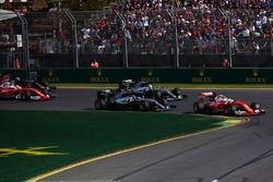 Sebastian Vettel, Ferrari SF16-H lídera al inicio de la carrera