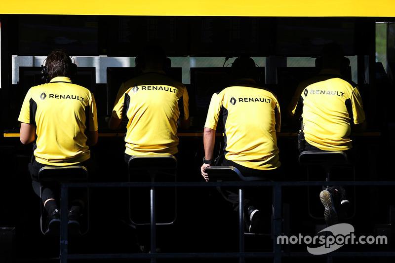 Renault Sport F1 Team, muretto box