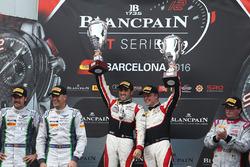 Podium: Sieger #88 AKKA ASP, Mercedes AMG GT3: Tristan Vautier, Felix Rosenqvist