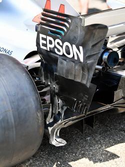 Заднее антикрыло Mercedes AMG F1 W09